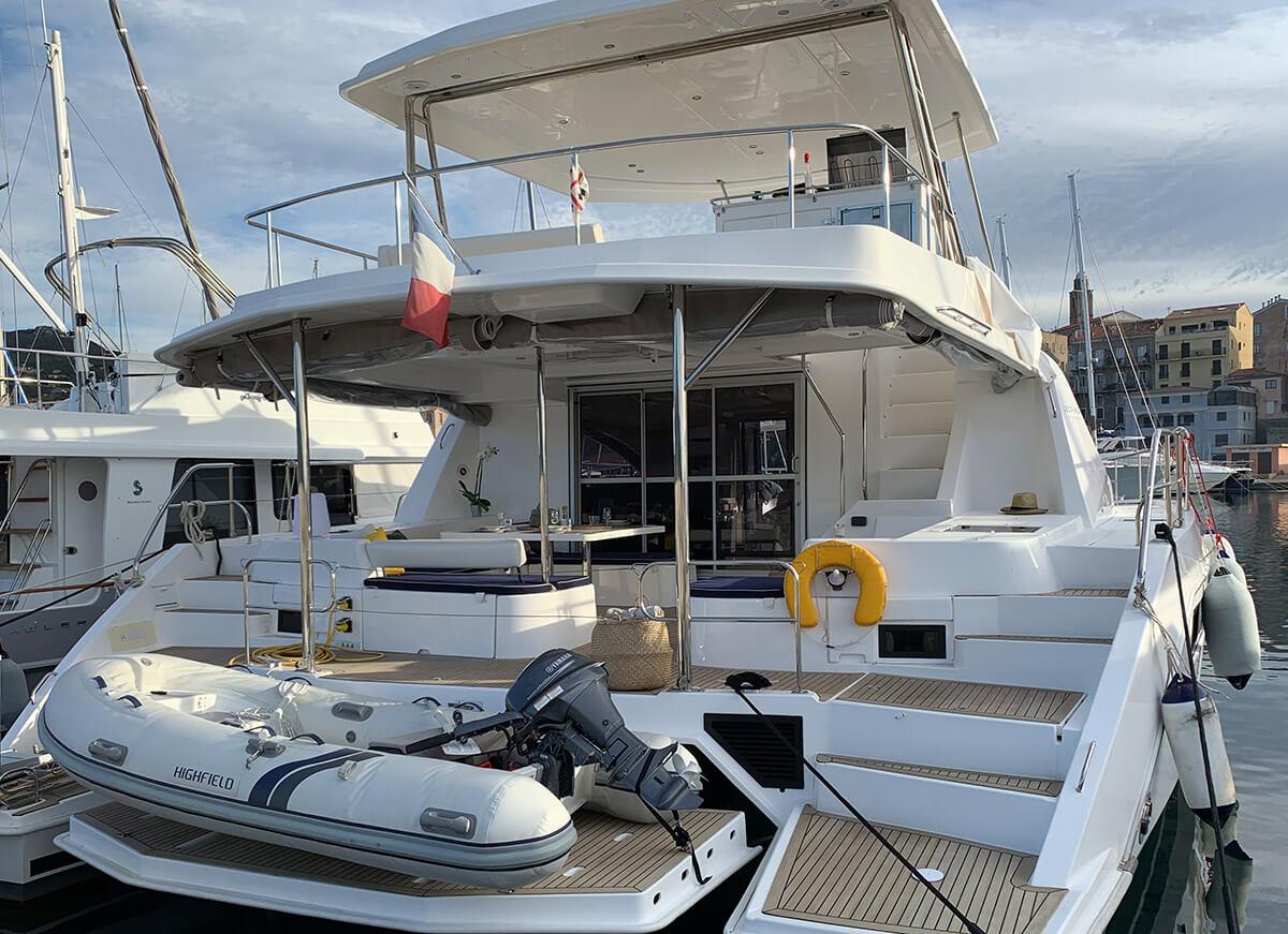 catamaran -51pc-arrière